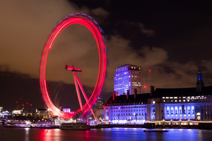 Night view of London Eye in London, UK